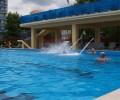 Когда на море шторм, как приятно поплавать в бассейне