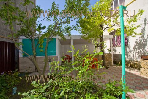 Мини-гостиница: Гостевой дом «На Самбурова»