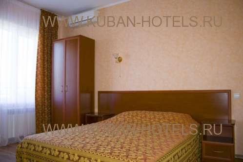 Гостевые дома Анапы двуспальная кровать