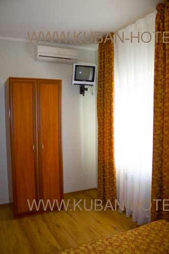 Частный гостевой дом в Анапе телевизор в номере